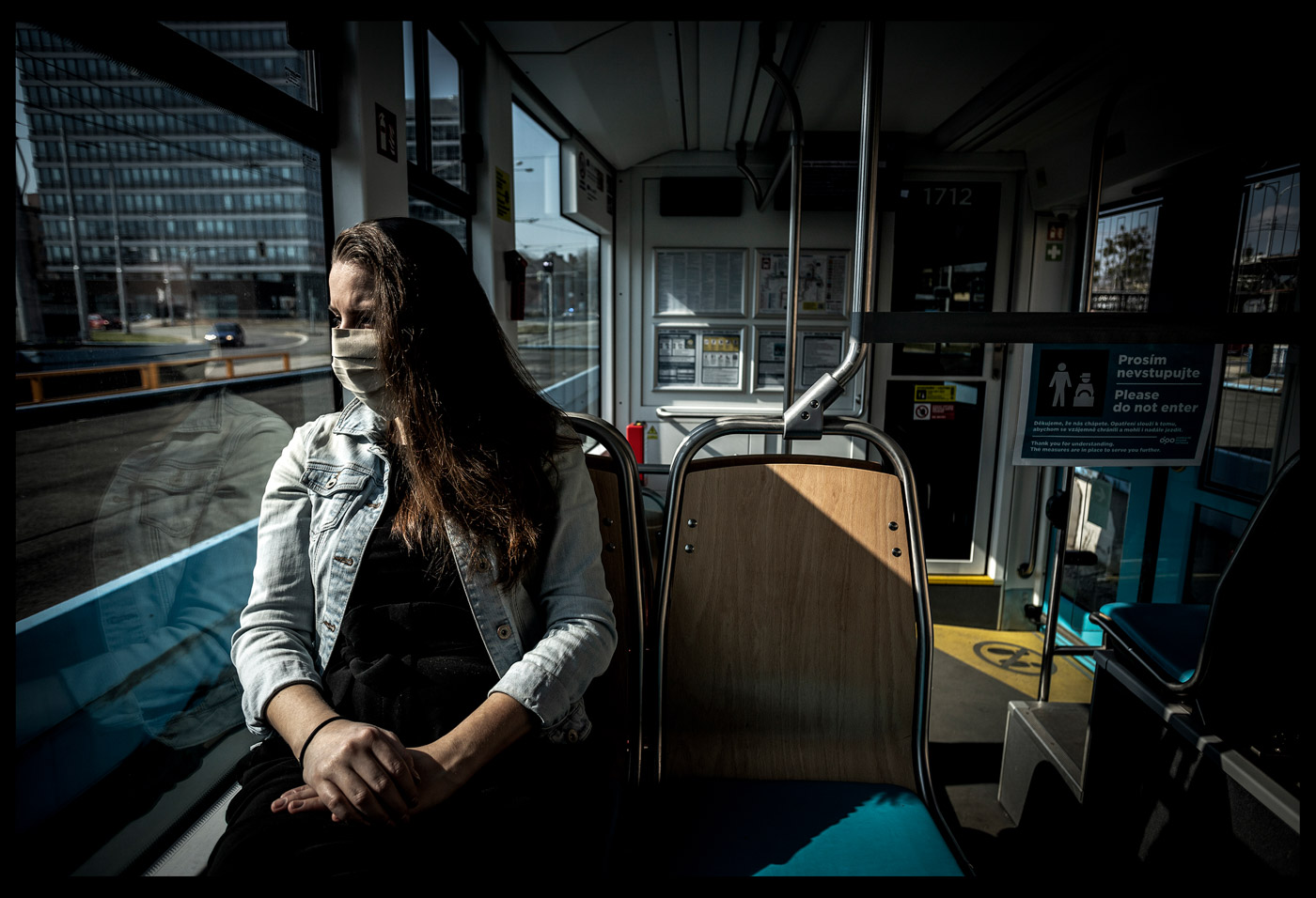 V tramvaji s omezením, v Ostravě. Foto: © Adolf Horsinka/MAFRA.